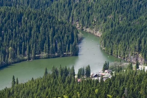 romanian europe lake water running